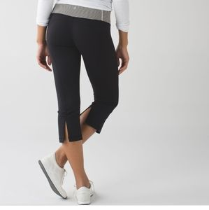Lululemon striped  gather and grow crop legging